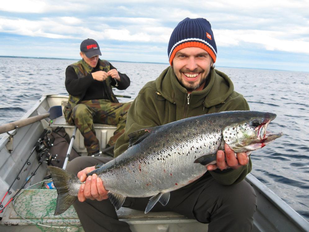 рыбалка на озере латыши
