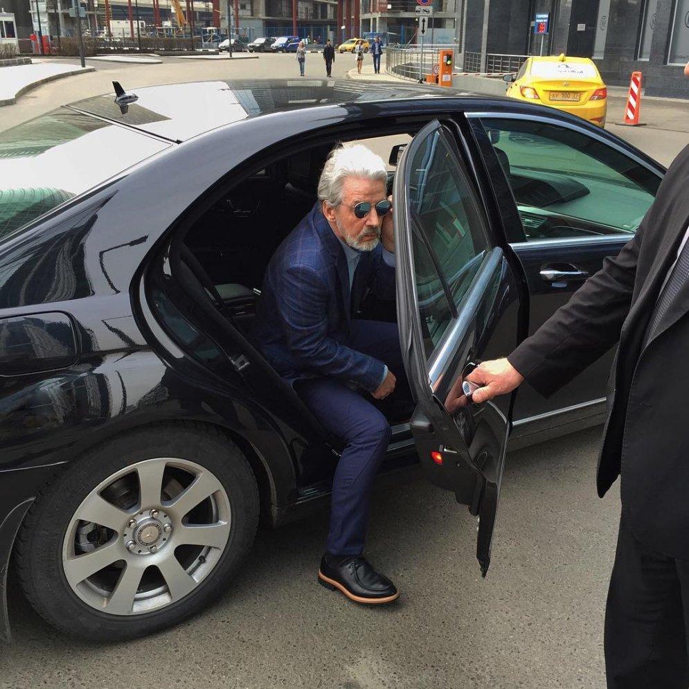 """Как из российского пенсионера за 750 евро сделали """"звезду """"Инстаграма"""""""