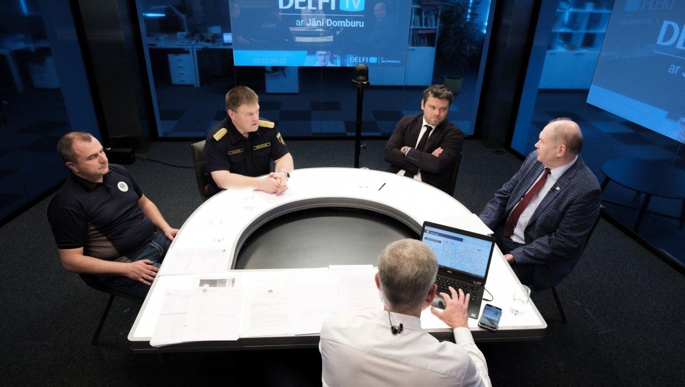'Delfi TV ar Jāni Domburu' – atbildīgie diskutē, vai Deglava tilts slēgts pamatoti. Pilns ieraksts