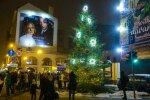 ФОТО: В центре Риги зажгли новую елку и праздничные украшения
