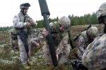 Video: Latvijas un ASV karavīri slīpē kaujas prasmes Ādažos