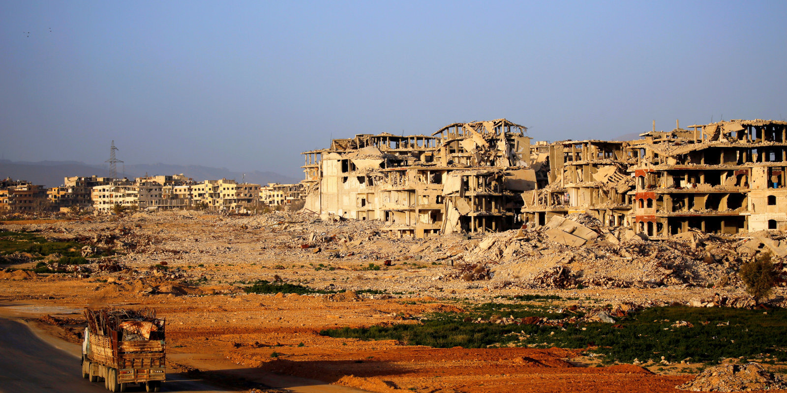 Karte: Kurš un ko kontrolē aizmirstā pilsoņkara sadalītajā Sīrijā