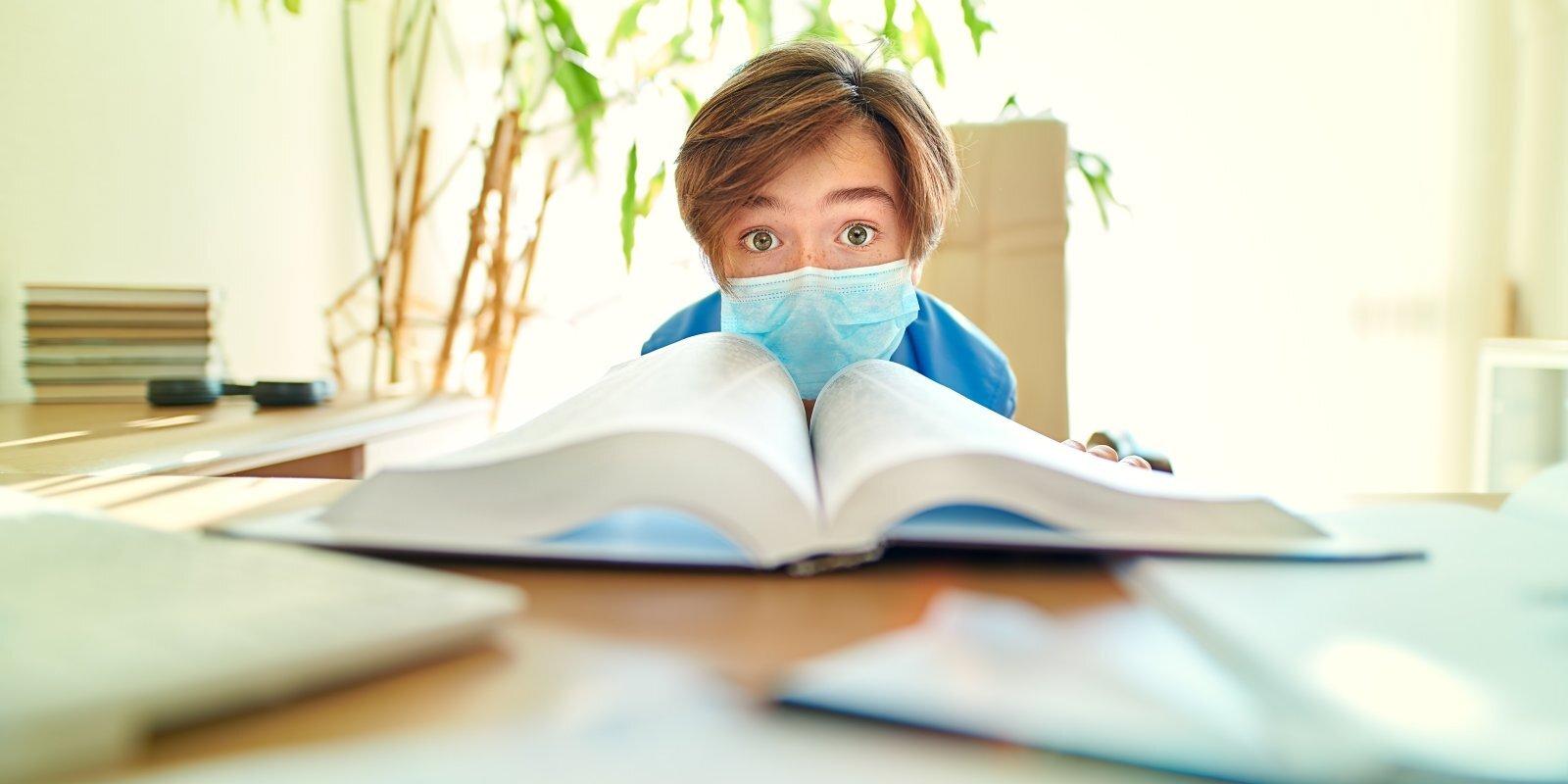 """""""Поколение С""""? Детский психиатр Никита Безбородов о том, как коронавирус изменил наших детей"""