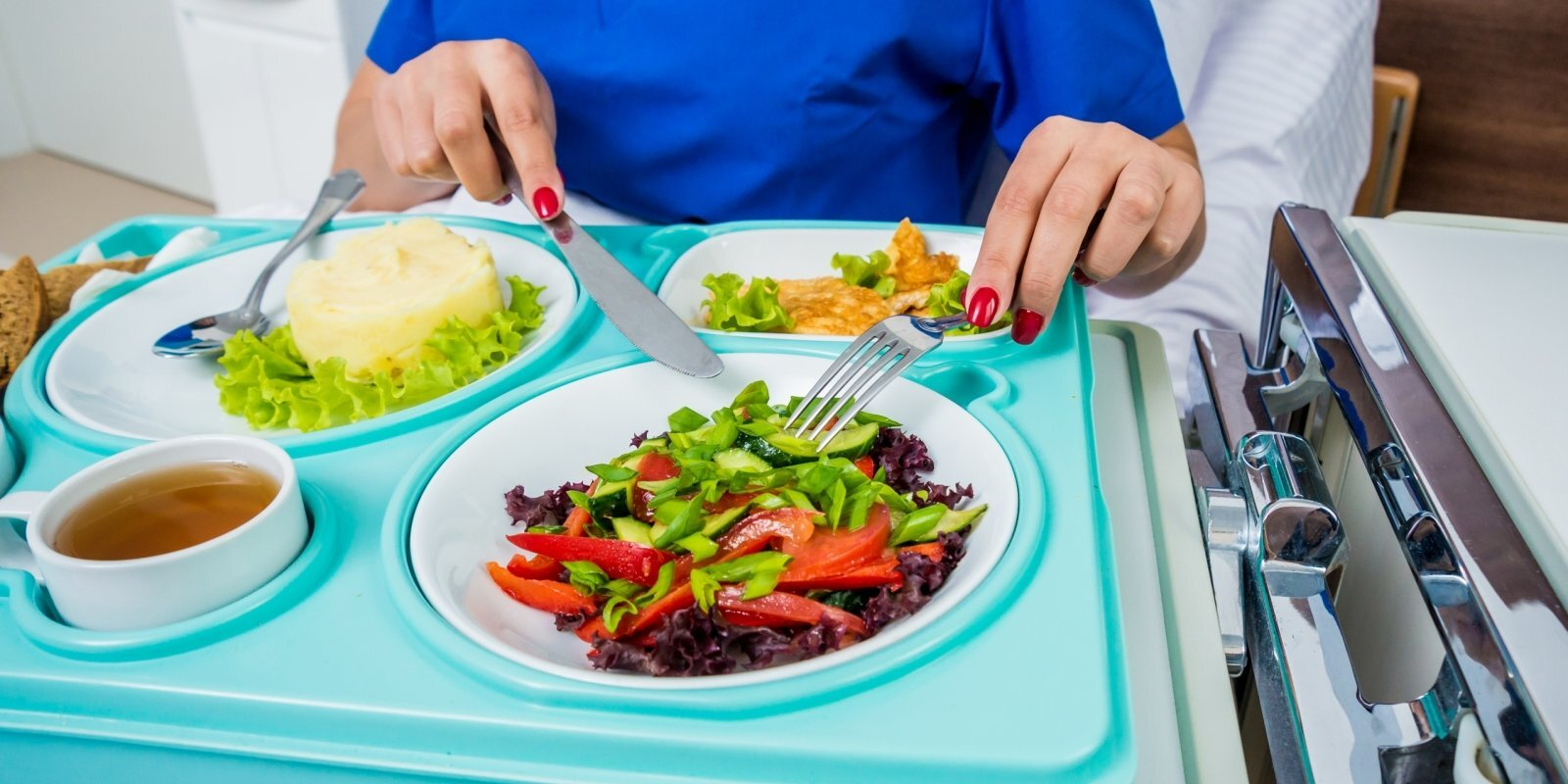 'Tasty' atklāj mītus un patiesību par Rīgas Dzemdību nama ēdienkarti