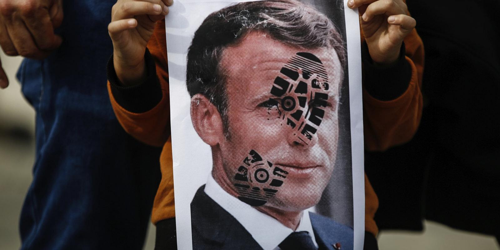 Наследник халифов против наследника Вольтера. Что не поделили президенты Макрон и Эрдоган