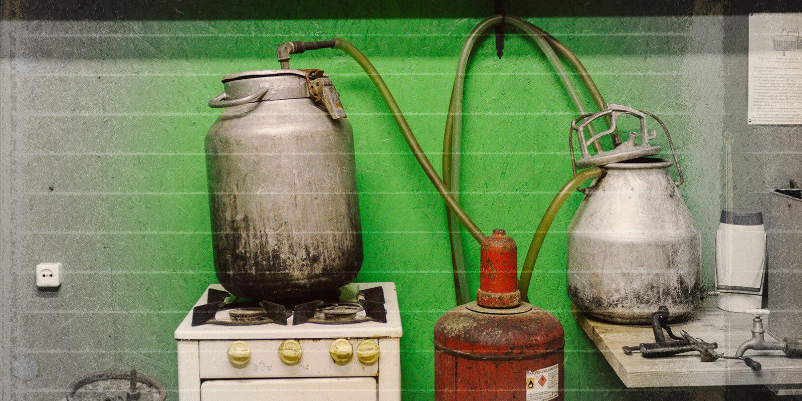 Kandžas dzīšana no siles, slaucenes un smalka destilēšanas aparāta