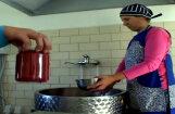 Video: Nelielā ražotnē Durbē top daudzu iemīļoti mājas vīni un našķi