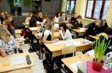 Deputāti optimistiski noskaņoti par obligāto vidējo izglītību, taču ar lēmumu vēl nesteigsies