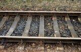 Pie dzelzceļa stacijas 'Jugla' vilciens nāvējoši notriec gājēju