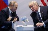 Tramps parakstījis likumu par jaunām sankcijām pret Krieviju
