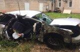 Cēsīs ceļu satiksmes negadījumā gājuši bojā divi jaunieši