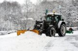 Rīgas ielās vairāk bērs sāli; pagaidām sniegu prom nevedīs