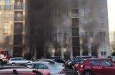 Video: Ugunsgrēka dēļ Pļavniekos no deviņstāvu ēkas evakuē 300 cilvēkus