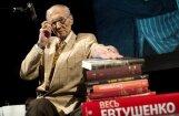 Mūžībā aizgājis dzejnieks Jevgēņijs Jevtušenko