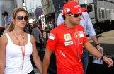 Masa ātrākais otrajā treniņā Indijas  GP , Hamiltons saņem sodu