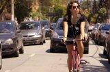 Pārliecība pret naudu. Urbāniste Evelīna Ozola par filmu 'Velosipēdi pret automašīnām'