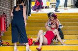 Foto: Britu lēdijas atkal izklaidējas uz pilnu klapi