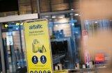 'Uzlieciet čemodānu sev uz galvas' – lasītāja sūdzas par 'airBaltic' apkalpošanu pēc lidaparāta maiņas