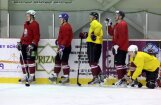 Latvija  piekāpjas Ukrainai pirmajā 'Euro Ice Hockey Challenge' spēlē