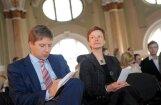 Politologs: vārdu cīņās Ēlerte ir līdzvērtīga Ušakovam