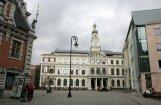 Rīgas domes darbinieki prēmijās pērn saņēmuši vairākus simtus un daži vairāk par tūkstoti eiro