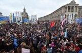 Foto: Tūkstošiem demonstrantu Kijevā pieprasa atbrīvot Saakašvili