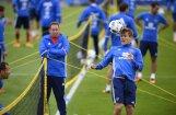 Krievijas futbolisti pēc izgāšanās EURO 2016 lepni līksmo dārgā Monako naktsklubā
