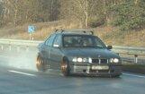 Foto: Ikšķilē tūningots BMW bez tehniskās apskates traucas ar 213 km/h