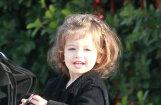 ФОТО: Снимки дочери Милы Кунис и Эштона Катчера попали в СМИ