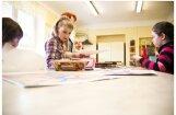 Foto: Kā Gulbenes Mākslas skola gatavojas lielajām svinībām