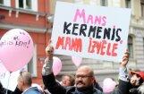Saeimas komisija virza izskatīšanai parlamentā aizliegumu nedzemdējušam sievietēm ziedot olšūnas