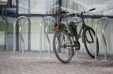 Upeslejās velozaglis bērnam nozog velosipēdu