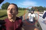 Video: ASV motociklista un pikapa vadītāja strīda negaidītais pavērsiens