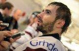 Latvijas izlases hokejisti apzagti viesnīcā Zviedrijā