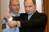 Norvēģijas slaktiņa rīkotājs Breiviks neapmierināts ar izvirzītajām apsūdzībām