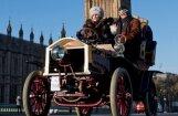 Rīgas Motormuzeja eksponāts atzīts par elegantāko vēsturisko auto braucienā Anglijā