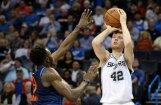 Bertāns labo karjeras rekordu, bet neglābj 'Spurs' no zaudējuma