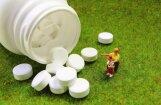 Neuzraudzīti bērni apēd medikamentus