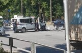 ФОТО, ВИДЕО: У торгового центра Alfa произошла авария с участием полиции