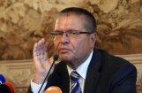 В чем обвиняют российского министра Улюкаева: как шла продажа акций