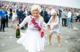 Foto: Britu 'lēdijas' atkal dzer un aušojas