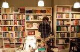 Infografika: Neraugoties uz rūkošām tirāžām, latviešu literatūras panākumi uzlabojas
