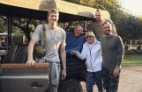 ФОТО: Семейный отдых латвийской звезды НБА в Африке