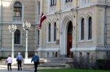 Arodbiedrības ceļ trauksmi: Augstskolu pasniedzējiem draud zemāks atalgojums nekā audzinātājām bērnudārzos