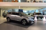 Tirdzniecībā Latvijā nonācis 'Peugeot 5008' apvidnieks