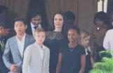 ВИДЕО: Анджелина Джоли накормила своих детей пауками