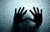 Tipisks cilvēktirdzniecības upuris Latvijā - jauna māmiņa no mazpilsētas