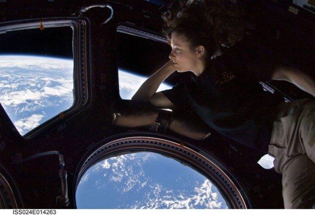 Pirmais no kosmosa publicētais selfijs