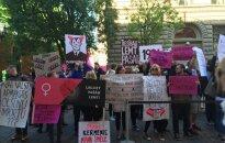 Foto: Protests pret ierobežojumiem ziedot olšūnas