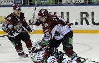 Rīgas 'Dinamo' ar skaistu uzvaru pārspēj spēcīgo 'Avangard'